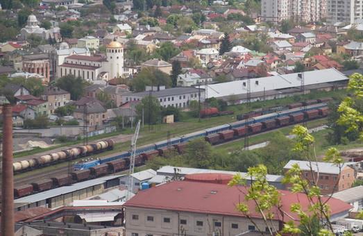 Поезд Одесса - Львов будет делать остановку на станции Пидзамче