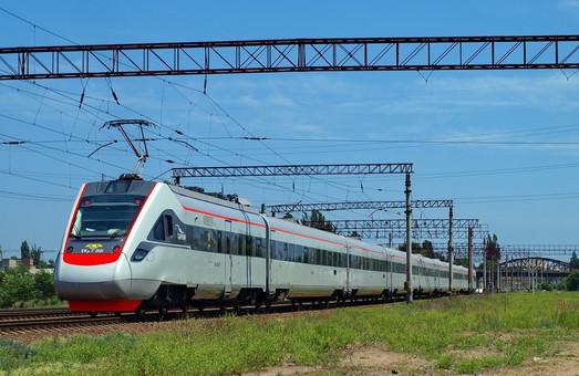 Поезда от Киева до Одессы планируют ускорить до 200 километров в час