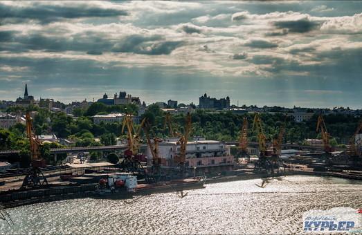 Рынок труда Одесской области остался без 8000 работников
