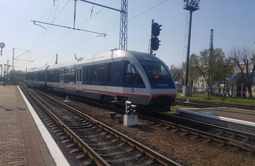 """""""Укрзализныця"""" запускает новый удобный для одесситов международный поезд Ковель - Холм"""