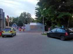 Автохамы превращают одесский парк Шевченко в парковку (ФОТО)