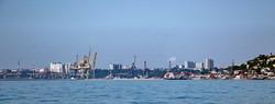Морской фасад Черноморска: стройки на побережье закрыли вид на копию Потемкинской лестницы (ФОТО)