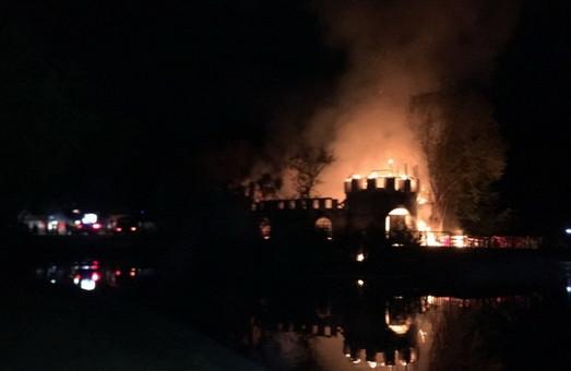 В Одессе сгорела крепость в Дюковском парке (ФОТО, ВИДЕО)