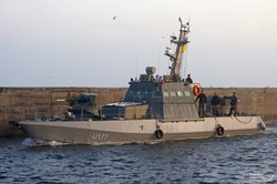 Пополнение ВМС Украины: в Одессу прибыли два новеньких бронекатера (ФОТО)