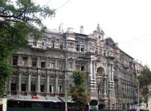 Многострадальный Дом Руссова отныне под круглосуточной охраной