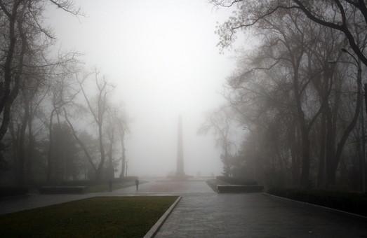 Берег Одессы утонул в тумане (ФОТО)