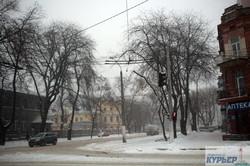 Одессу накрыла метель: пустые улицы, котики и огромные сугробы