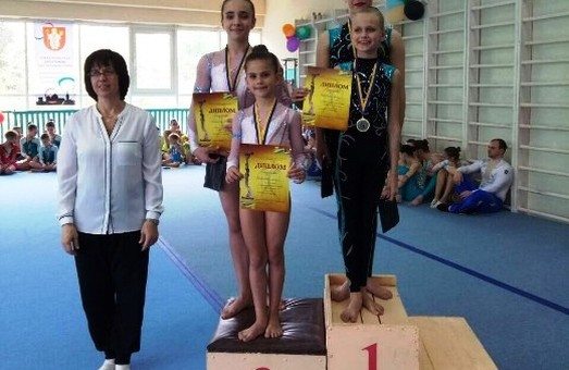 Юные спортсмены Одессы завоевали медали на Кубке мира по прыжкам на батуте