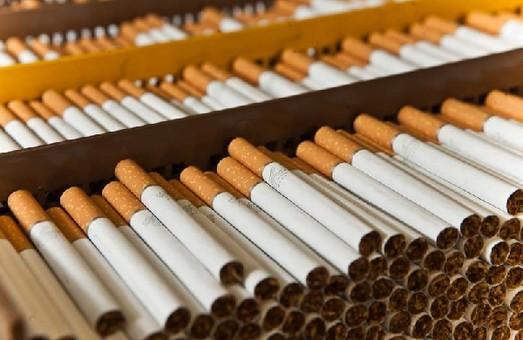 """Одесские фискалы """"накрыли"""" нелегальное производство сигарет на 14 миллионов гривен"""