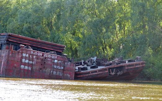 Фото дня: кладбище кораблей на Дунае под Измаилом