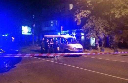 Полиция считает ночной взрыв в Одессе попыткой убийства