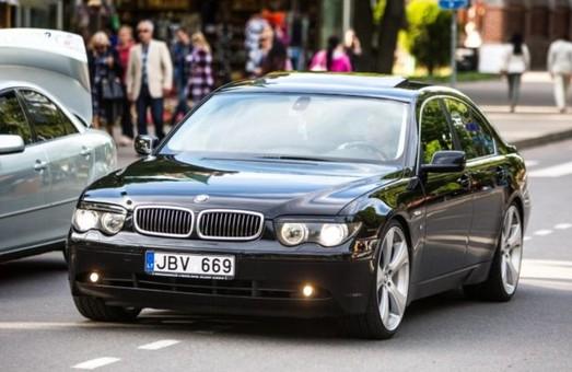 В Одессе митинговали владельцы авто на еврономерах
