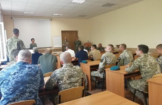 В Одессе украинских военных моряков обучают британские и американские инструкторы