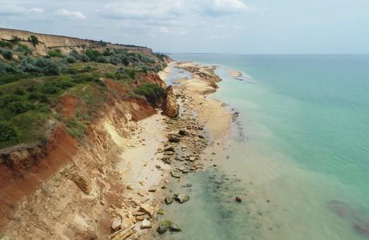 В Одесской области произошел крупный оползень на морском побережье (ФОТО)