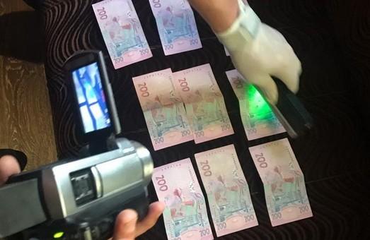 СБУ в Одессе разоблачила на взятках таможенника