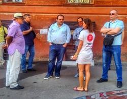 Битва за ОНМедУ: Запорожан выгнал на пикет индусов из Днепра, новому и.о. ректора угрожают (ФОТО, ВИДЕО)
