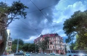 Обещанная синоптиками гроза приближается к Одессе