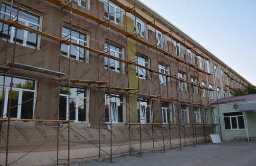 Новое образовательное пространство: в Лиманском районе продолжается масштабная реконструкция школы