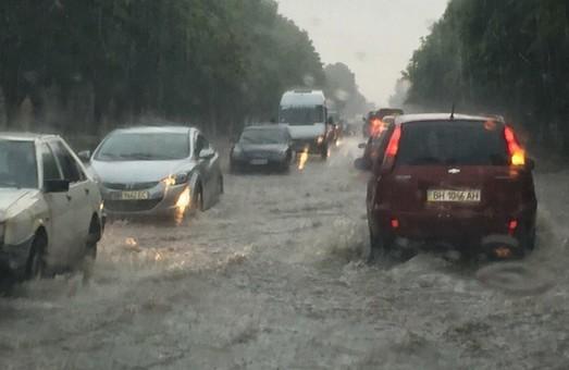 Ураган оставил без света семь районов Одесской области