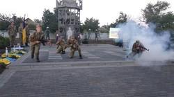 Под Одессой открыли памятник Защитникам Украины в виде башни Донецкого аэропорта (ФОТО)