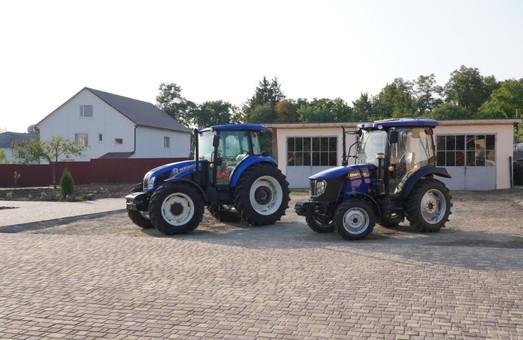 Северный центр профтехобразования в Одесской области получил два новых трактора