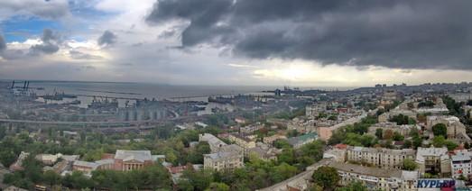 Какой недвижимостью торгует Одесский горсовет