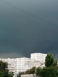 Одесситы публикуют фото масштабной грозы над городом