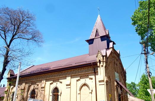 Католики Измаила получили обновленный храм