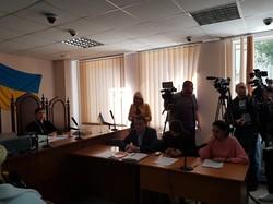 «Будут сидеть, я сказала», — судья Киевского районного суда Одессы (ФОТО, ВИДЕО)