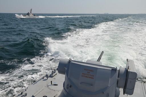 Порошенко поддержал введение военного положения