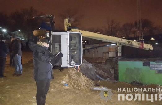 Прокуратура Одесской области арестовала стройку и подъемный кран на Ланжероне