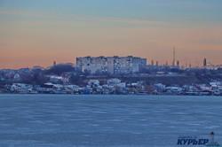 Зимняя Одесса: вечер у замерзшего Хаджибейского лимана (ФОТО)