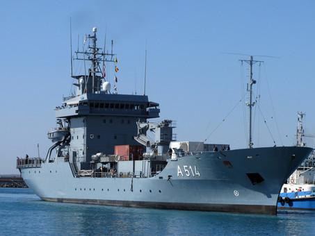В Черное море зайдет немецкая военная плавбаза
