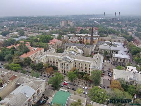 Почему студенты и сотрудники Одесского медуниверситета остались без денег