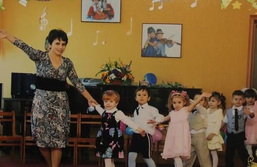 Мэр Черноморска решил укрепить свою популярность за счет надбавок к зарплатам бюджетников