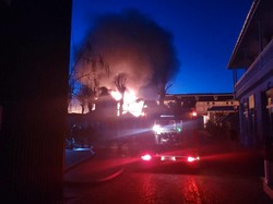 В Затоке сгорело 20 домиков на базах отдыха (ФОТО)