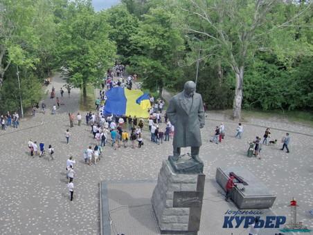 В Одессе читали стихи Шевченко на разных языках (ВИДЕО)
