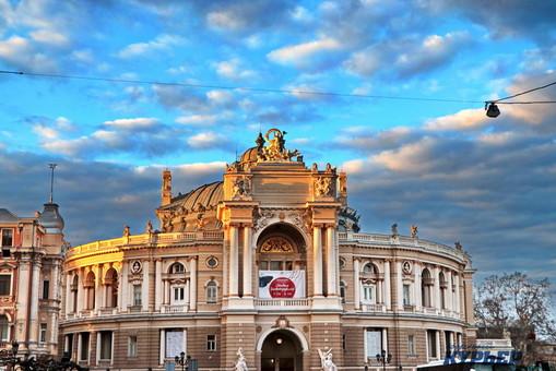 В Одессе проходит праздник театралов
