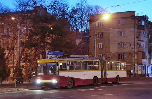 Часть общественного транспорта Одессы будет работать всю Пасхальную ночь