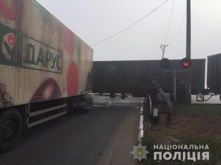 ЧП на Одесской железной дороге: грузовик врезался в товарный поезд
