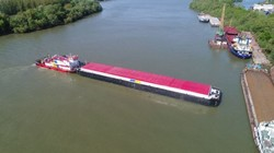 В Измаиле построили новую сухогрузную баржу «Grain-3», которая будет ходит по Днепру