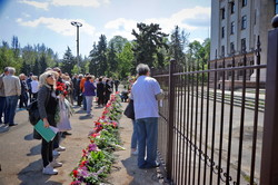 В Одессе на Куликовом поле немноголюдно: память погибших отмечают под флагом Украины (ФОТО, ВИДЕО)