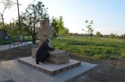 В райцентре Одесской области устанавливают памятник погибшим в АТО (ФОТО)