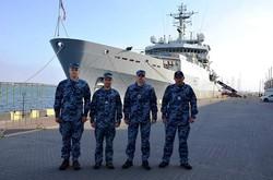Украинские военные моряки стажируются на британском разведчике (ФОТО)