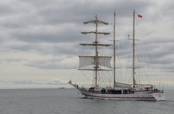 Одесские курсанты учатся на польском парусном корабле в походе вокруг всей Европы (ФОТО)