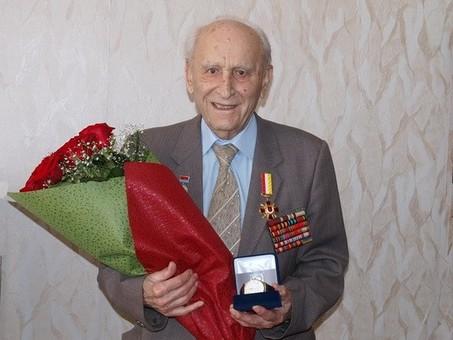 Самый заслуженный врач Одессы отметил юбилей: ему 101 год