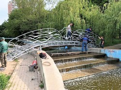 В Одесском парке Победы появился новый мост (ФОТО)