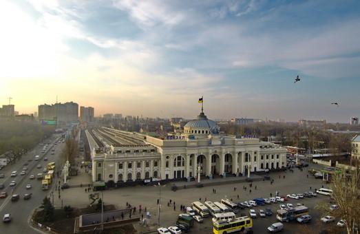 Открыта продажа билетов на летние поезда до Одессы и других морских курортов