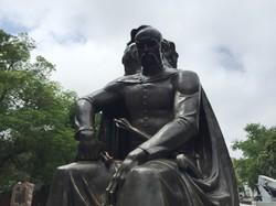 В Одессе начали ремонтировать памятник атаману Черноморских казаков