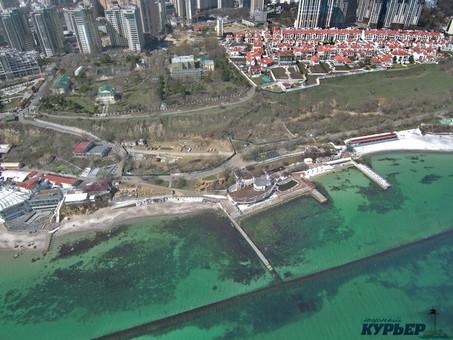 В Одессе арендаторы пляжей будут оказывать услуги пенсионерам бесплатно